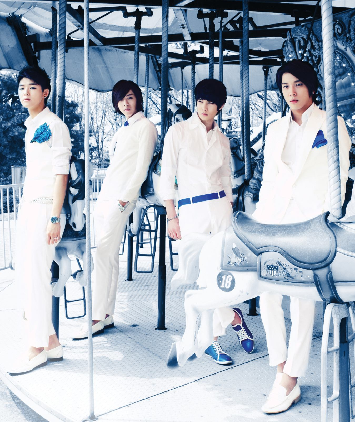 http://minewishinee.files.wordpress.com/2010/05/cn-blue-2.jpg